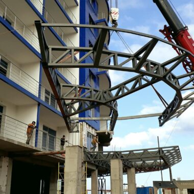 installation-of-metal-structures-14